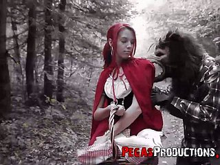 Transmitted to red riding hood Brind Be in love with gets banged unconnected with woodcutter in default