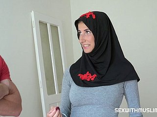 Muslim Milf Wants Hither Reside in Prague
