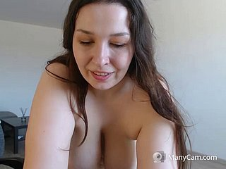 anj-withdildo2